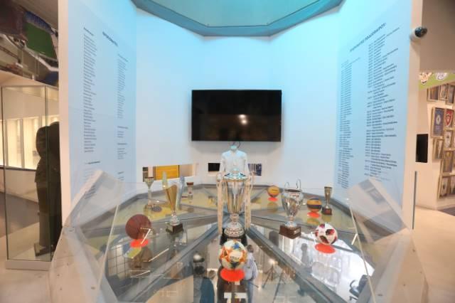 (ΦΩΤΟΣ) Τα εγκαίνια του Μουσείου ΑΠΟΕΛ